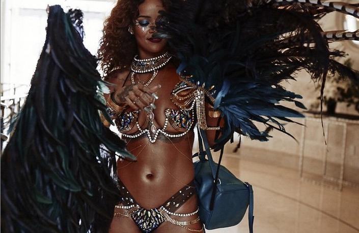 Rihanna gets naked are