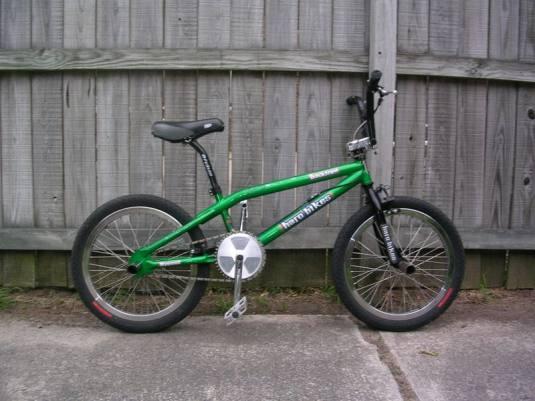 bikes001.jpg